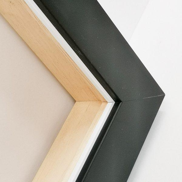 черная квадратная рама для картины