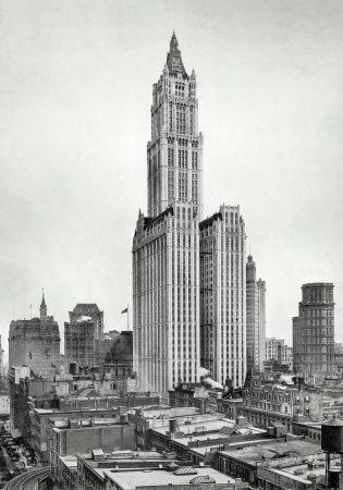 Небоскреб Волворт в Нью-Йорке.